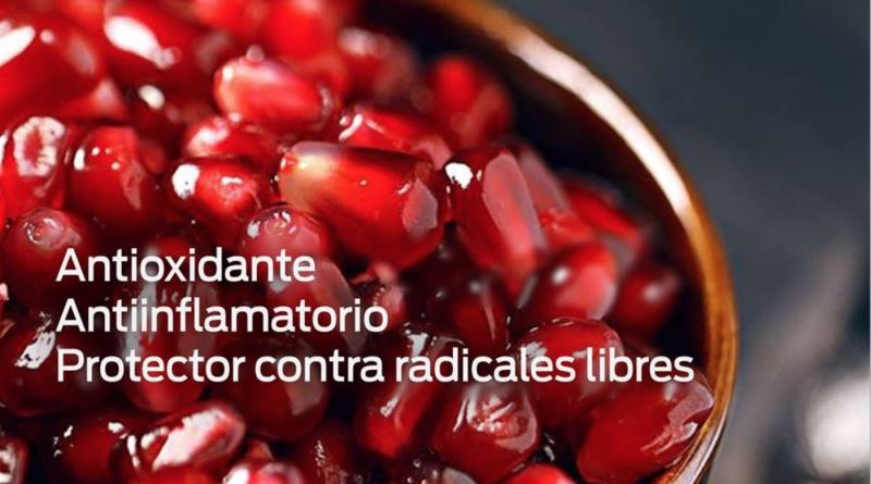 Cuatro formas saludables de comer la granada en casa